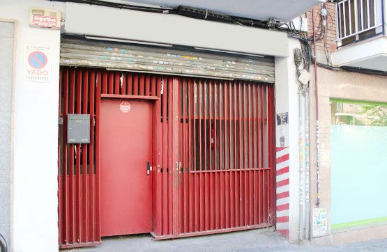 Calle VITAL AZA Nº: 56 Plt: BJ Pta: B, 28017, Madrid