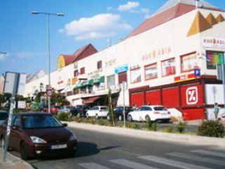 Local en venta en Las Rozas de 64  m²
