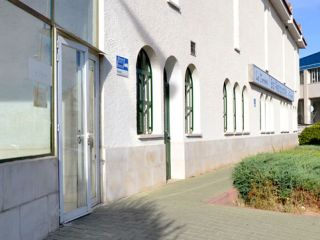 Local en venta en Torres De Alameda de 64  m²