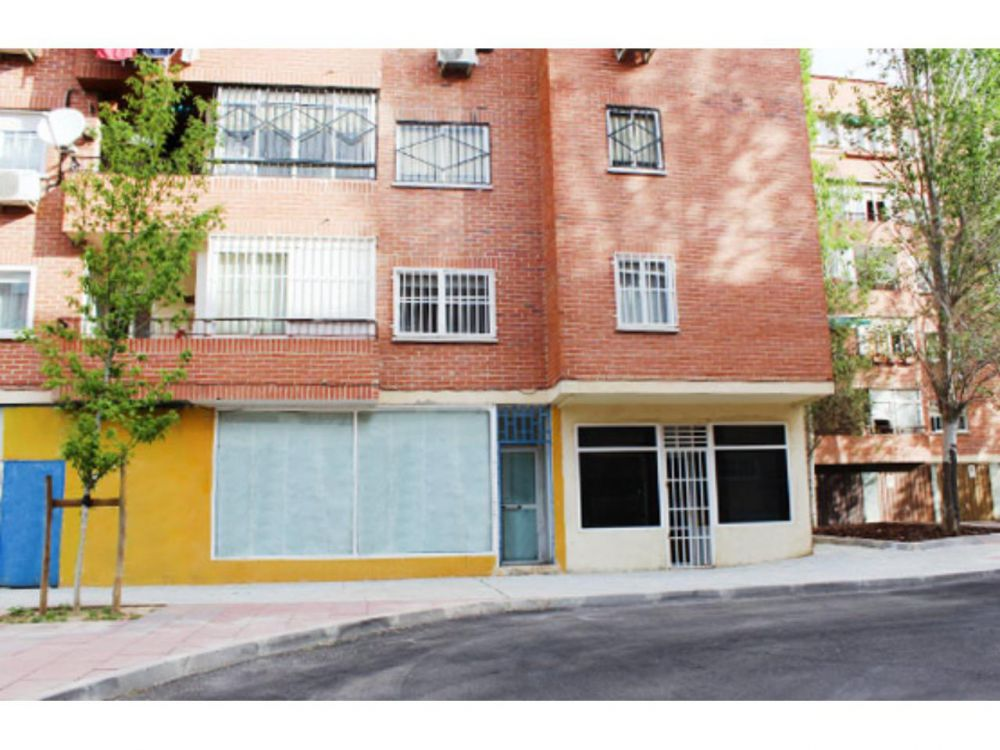 Local comercial en Meco, Madrid