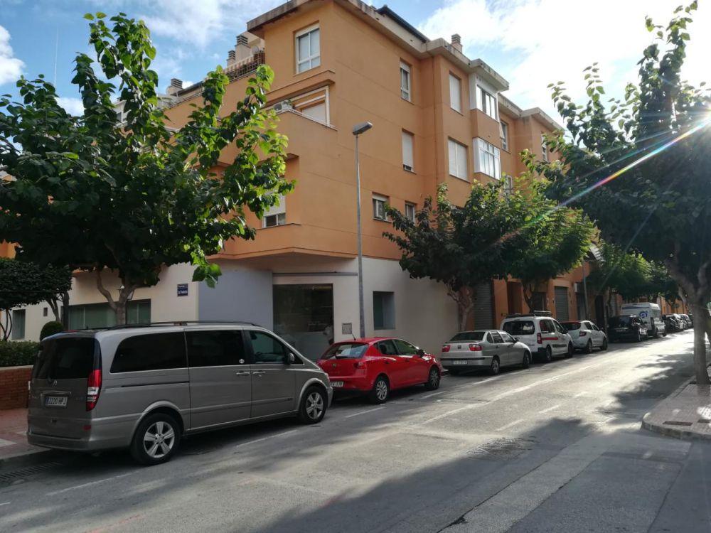 Calle Elche 13 esc 2-4 bajo C