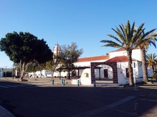Calle Jose Navarro, 8 27